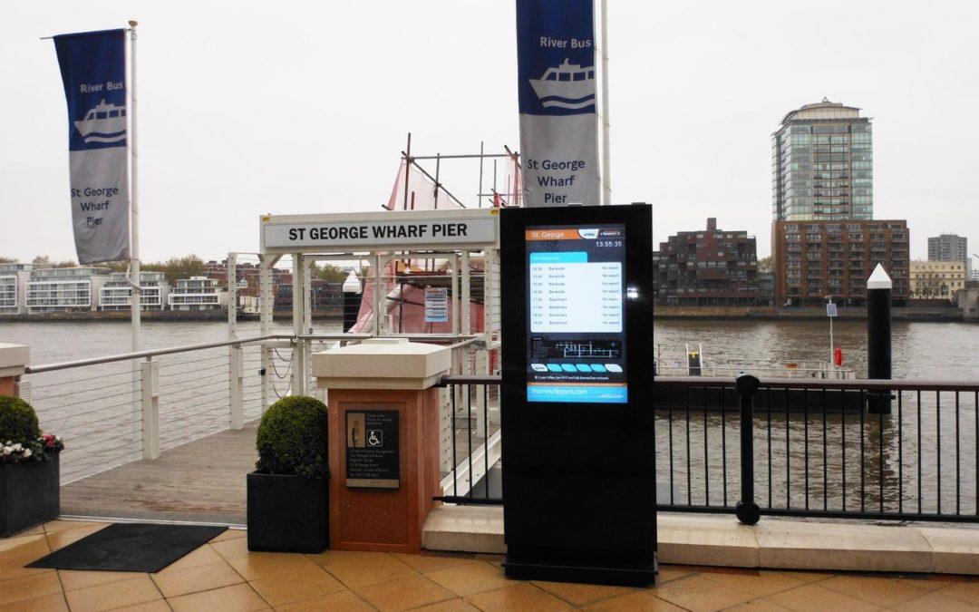 Obudowy zewnętrzne do monitorów digital signage