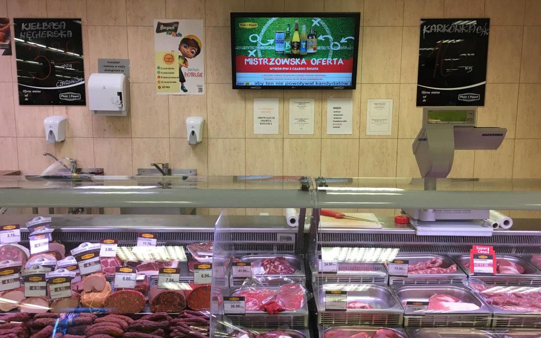 Dlaczego warto reklamować markę na stoisku mięsnym w supermarkecie?